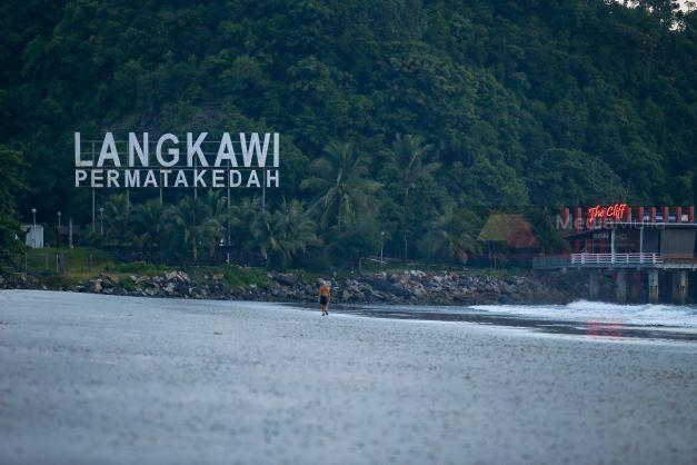 Pembukaan Langkawi pulihkan sektor penerbangan