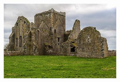 Rock of Cashel - Die Mauern der Hore Abbey
