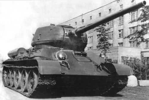 T34-85_3.jpg