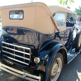 Concentración de vehículos clásicos en Lobón