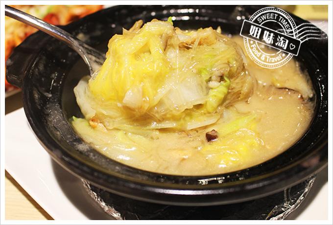 高雄MLD 海鮮大排檔乳白菜煲180元