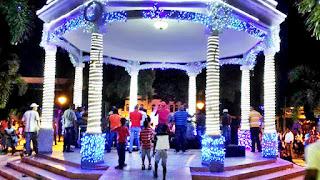 Resultado de imagen para parque central con luces