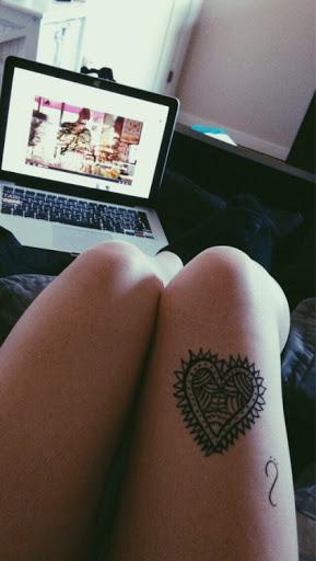 Voce tambem pode obter coracao tatuado na coxa