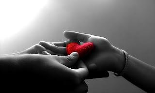 https://lh3.googleusercontent.com/-33qUlFwmuzI/UNd5yME_O5I/AAAAAAACEtA/Fue2zV4GnyU/s800/fond-ecran-romantiaque-coeur-couple.jpg
