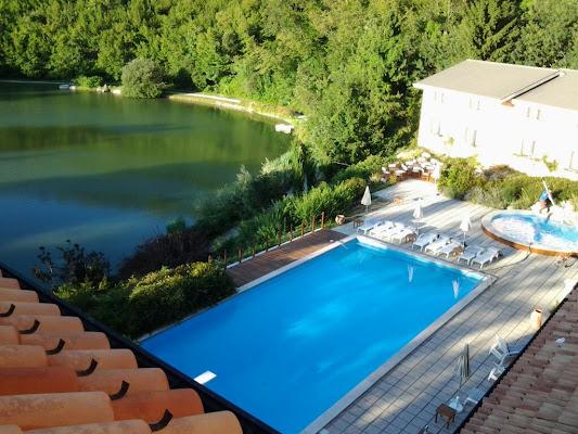 Hotel Ristorante Parco Del Lago, Via San Francesco, 1, 61014 Montecopiolo Pesaro and Urbino, Italy