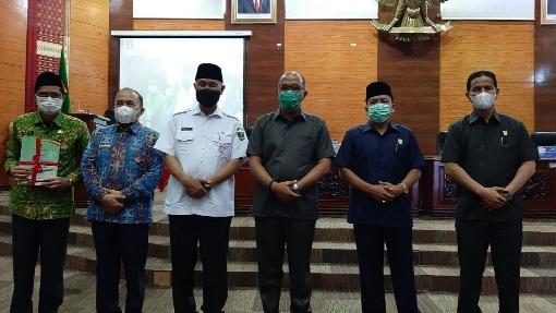 Rapat Paripurna KUPA-PPAS, Ketua DPRD Sumbar Singgung Insentif Nakes dan Biaya Isoman