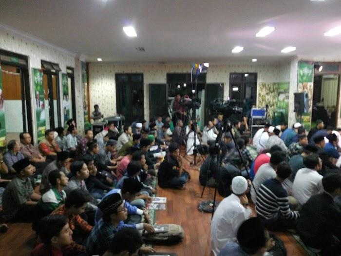 Diskusi Cangkir 9 dalam Tema Hizbut Tahrir Undercover