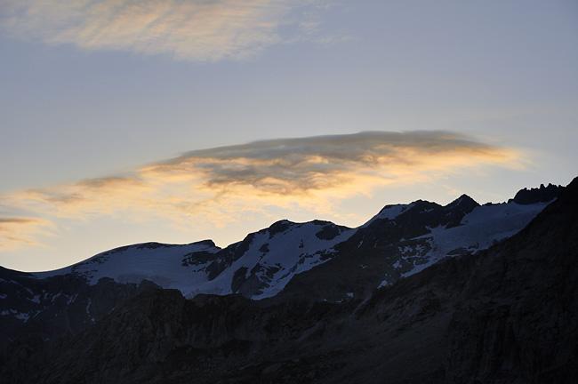 gr5-mont-blanc-briancon-peclet-polset-lever-soleil.jpg