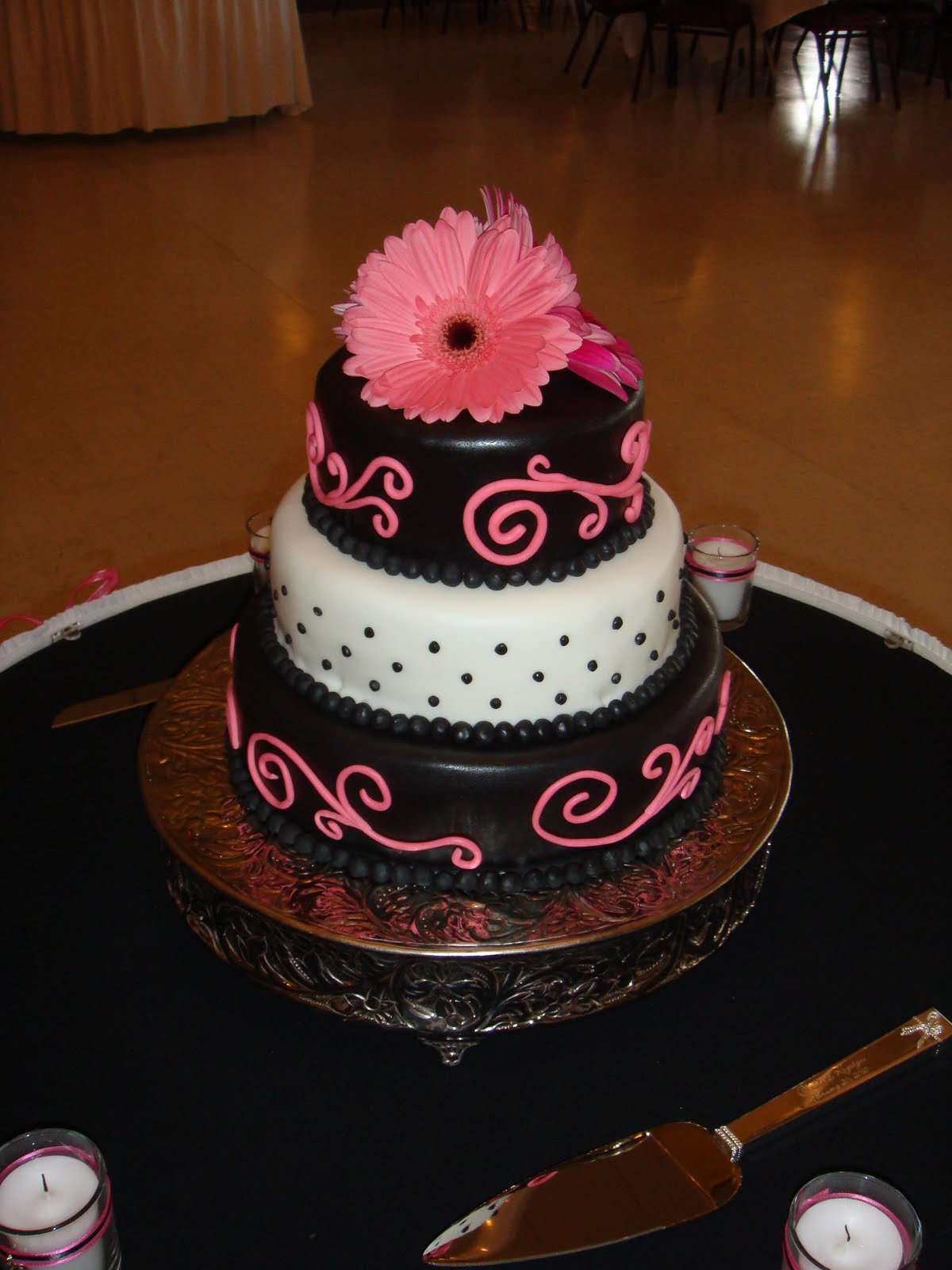 Uloaku\'s blog: Pink and Black Wedding Cake