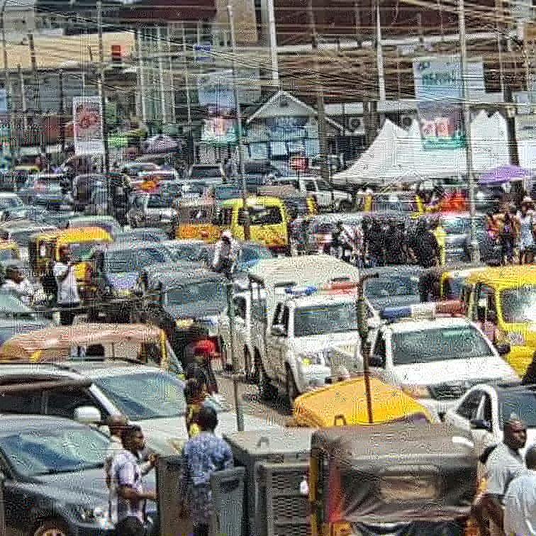 Shooting as Over 7 Killed At Ikotun Roundabout Lagos State  - ADS4NAIRA NEWS