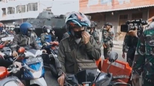 Viral Pria Sebut Polisi 'PKI' di Pos Penyekatan, Kartu Identitasnya Berjibun
