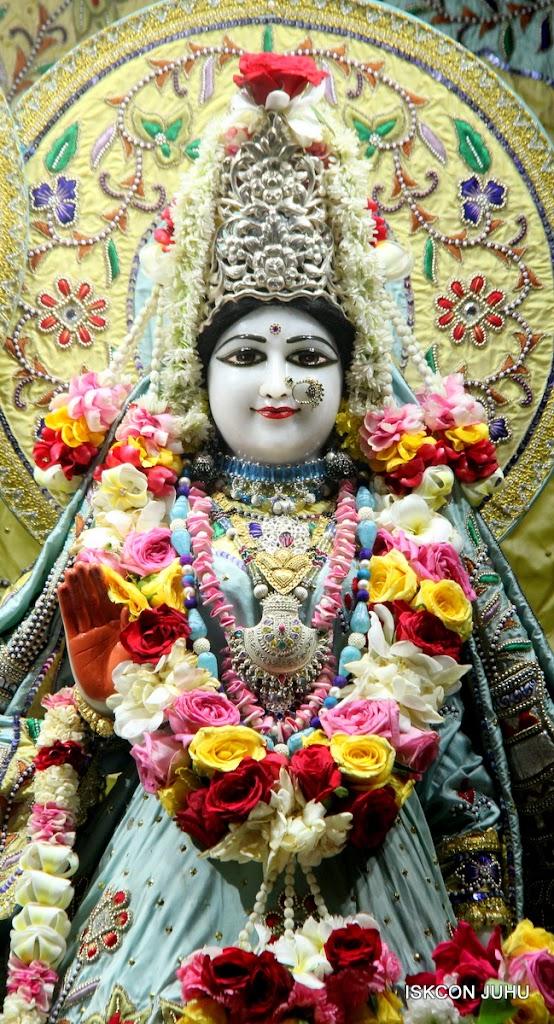 ISKCON Juhu Sringar Deity Darshan on 3rd Aug 2016 (6)