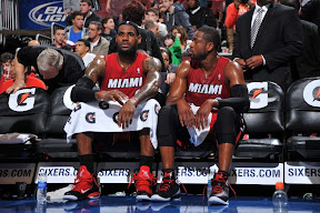 lebron james nba 120203 mia at phi 03 King James Unveils New Shoe   Black/Red/White LEBRON 9