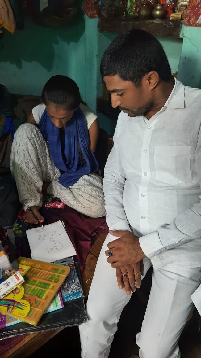 अपने दोनों हाथ गंवा चुकी तन्नू की मदद को सामने आये पप्पू यादव के दानवीर, लिया उसके पढ़ाई का जिम्मा...