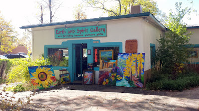 A look around Taos and the various small art galleries and shops in what feels like a cute small town