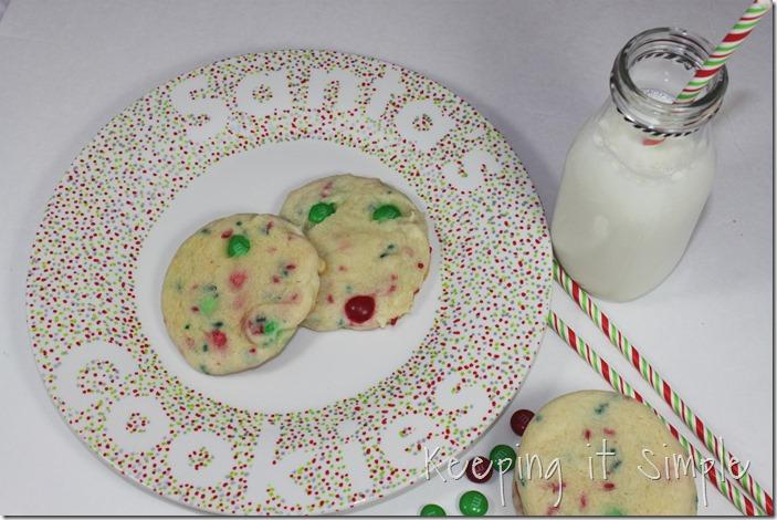 #ad Santa-Cookies-Cake-Cookies-With-DIY-Santa-Plate #BakeintheFun (28)