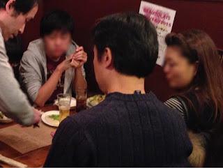 トムズキッチン 千石店でテーブルマジック / マジシャンひろしつちや