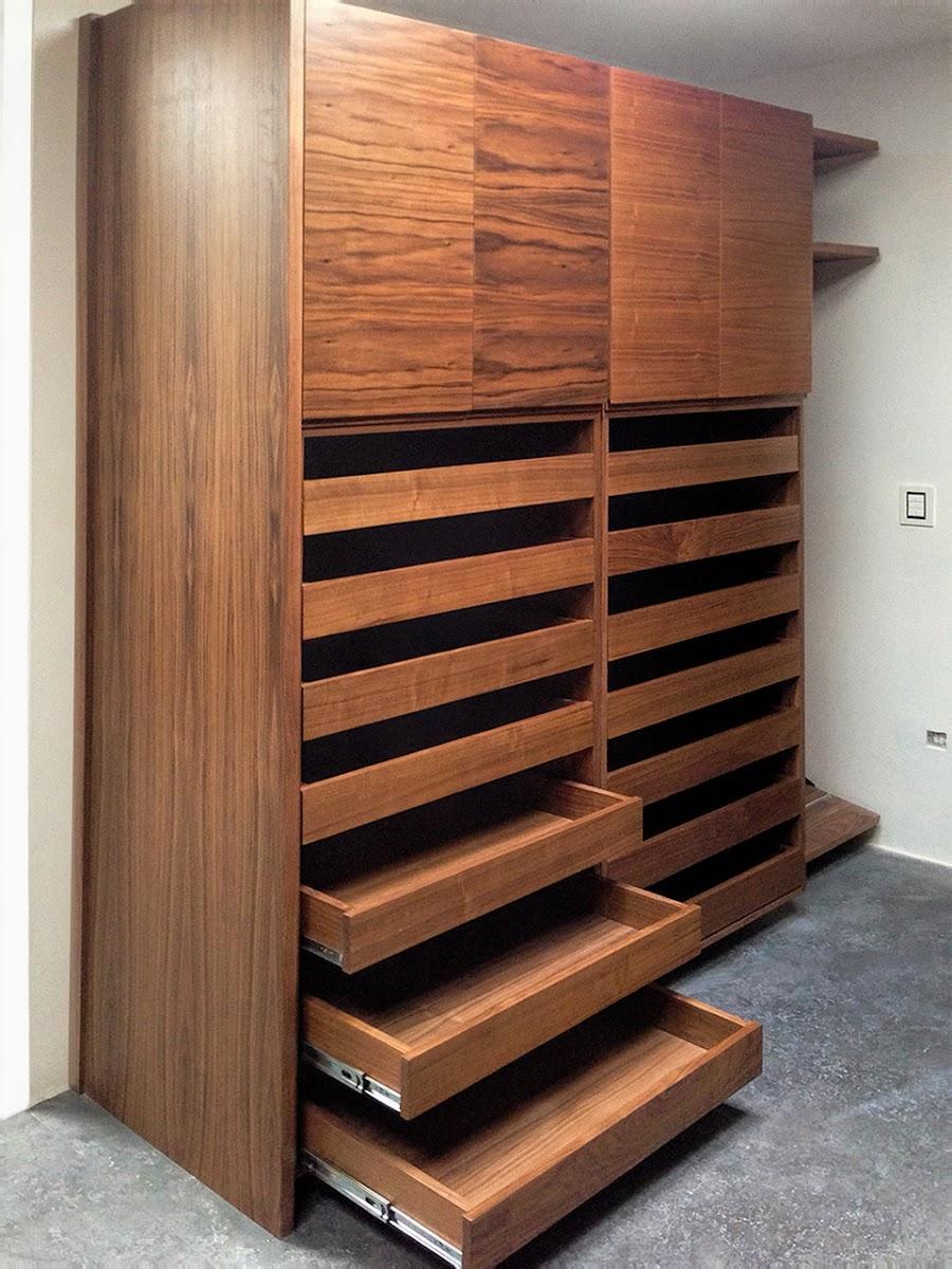 Closets y vestidores minimalistas 100 configurables for Modelos de zapateros de madera