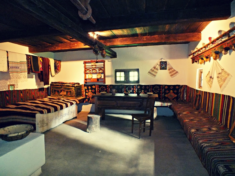 casa dorna candreni muzeul satului bucovinean