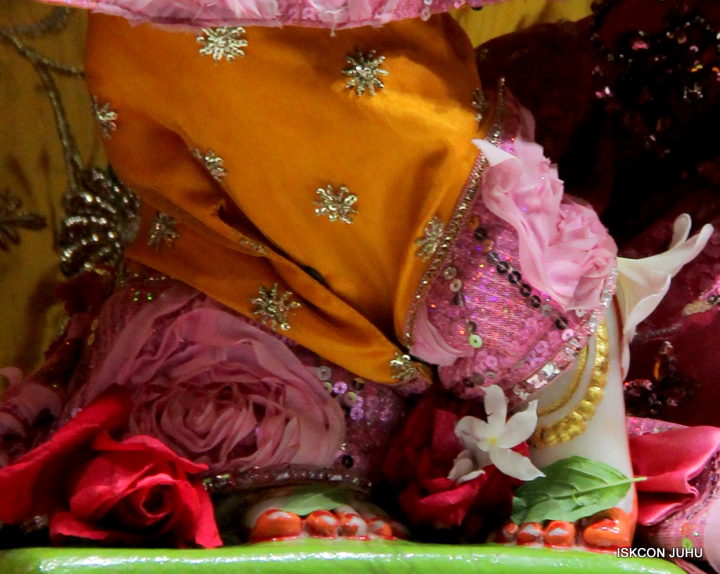 ISKCON Juhu Mangal Deity Darshan on 30th Dec 2016 (22)