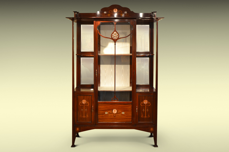 ART NOUVEAU DISPLAY CABINET IN MAHOGANY