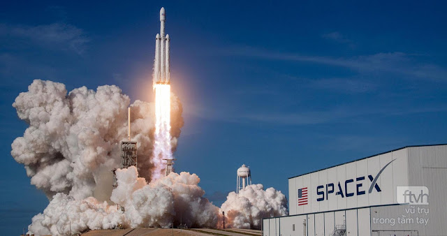 SpaceX phóng thành công chuyến bay lịch sử, tên lửa Falcon Heavy, đưa xe hơi đến Sao Hỏa