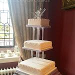 Pillars wedding cake 1.jpg