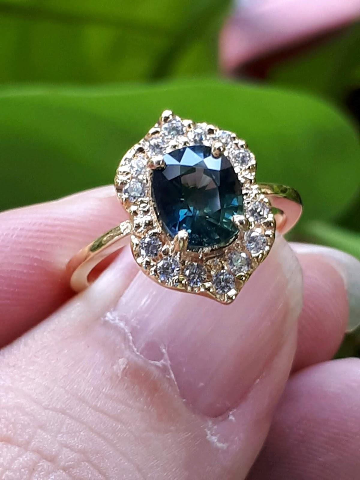 Nhẫn nữ Natural Sapphire Phan Thiết, vàng 18k