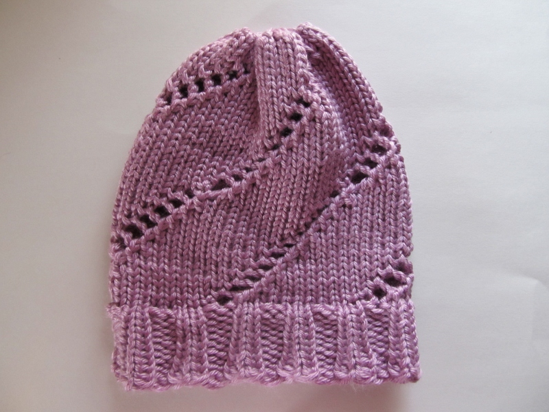 This Mama Knits: Spiral Lace Hat
