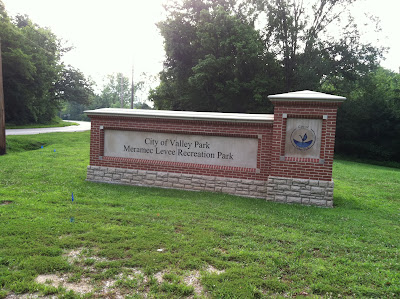 meramec,levee,recreation,park,sign,valleypark