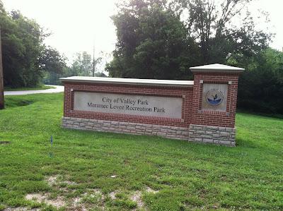 meramec,levee,recreation,park,sign,valleypark