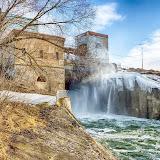 Плотина Черепетского водохранилища.