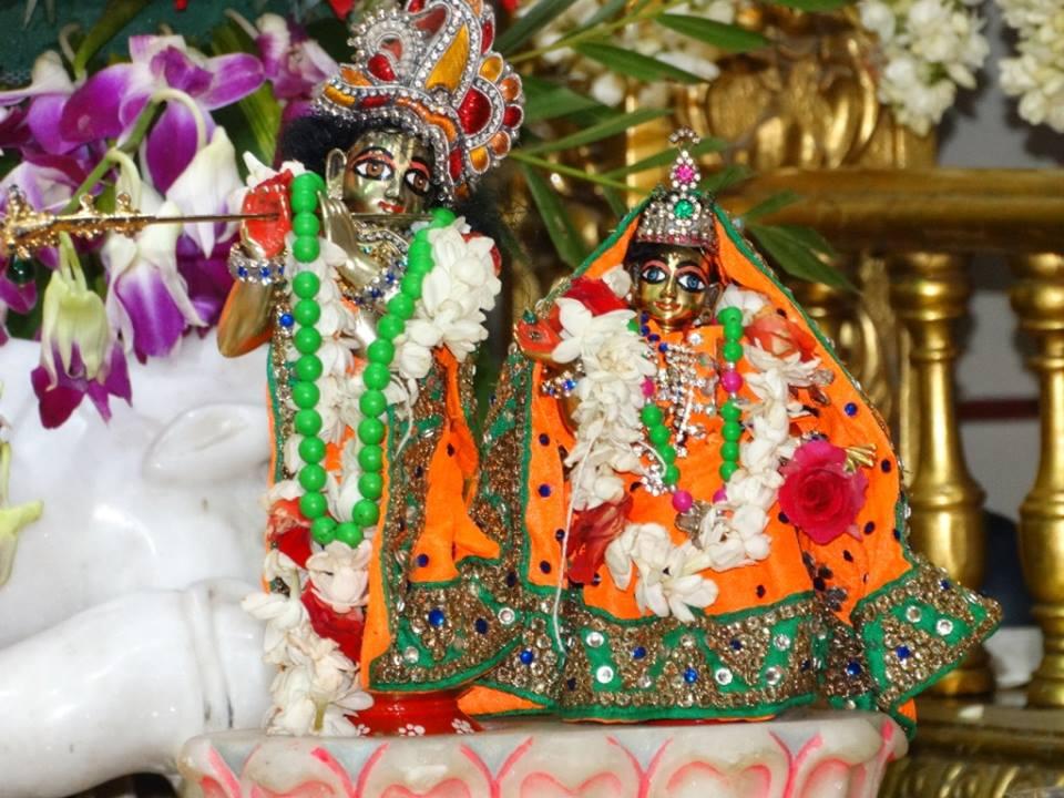 ISKCON Punjabi Bagh Deity Darshan 09 April 2016 (12)