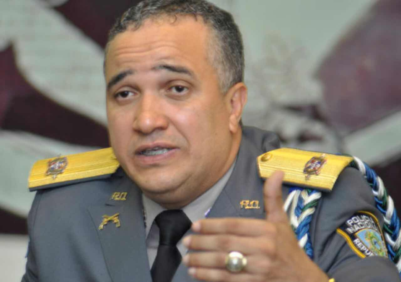 Director de la Policía Nacional anuncia construcción destacamento en Sabana de la Mar