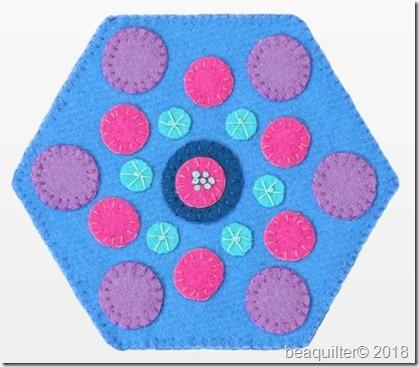 pq11595-circles-hexagon-wool-mug-rug-flat-web