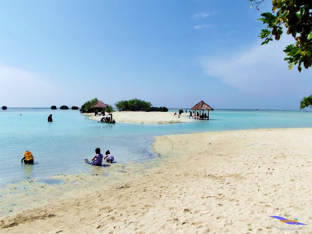 family trip pulau pari 090716 Fuji 030