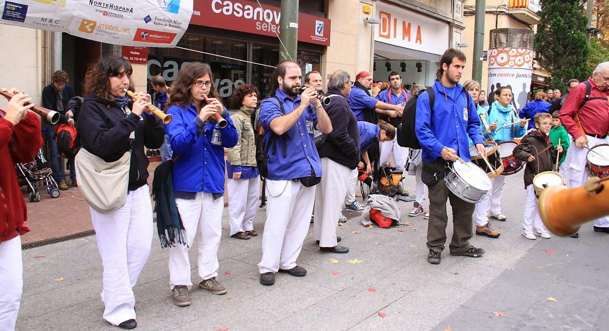 Diada dels Castellers de Terrassa 7-11-10 - 20101107_204_grallers_CdVG_Terrassa_Diada_dels_CdT.jpg