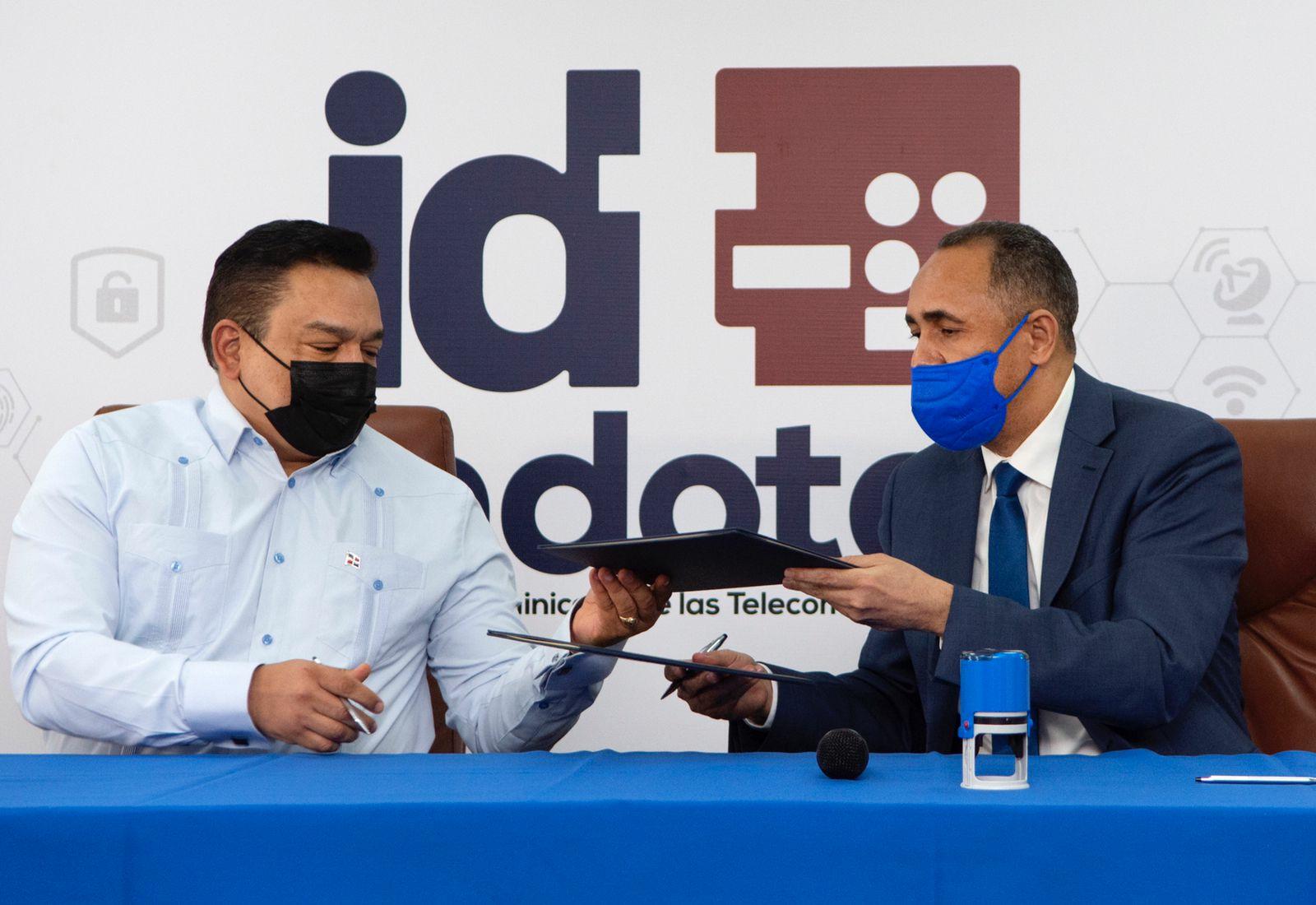 Indotel y ONDA acuerdan afianzar protección intelectual y derecho de autor en el país.