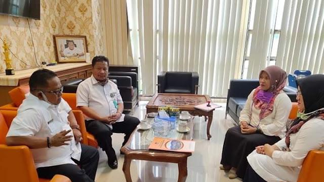 Humas Dharmasraya Pelajari Kerjasama Media di Pemko Padang, Amrizal Rengganis Sebut Harus Ditata.