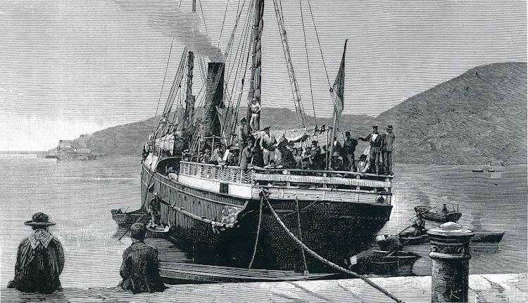 Llegada a Cartagena del vapor CORREO DE CARTAGENA con los campseinos refugiados de Oran. Grabado del libro De la Mar. Historicos barcos y marinas.jpg