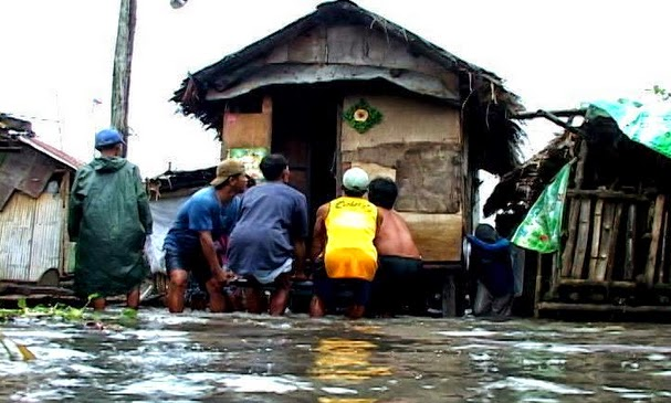 Mario Causes Flooding in Metro Manila with Pictures 19-09-2014-14