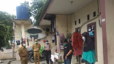 Wakil Walikota Tangerang, Bersama Jajaranya, Sambangi Warga Perumahan Kunciran Yang Terpapar Covid-19