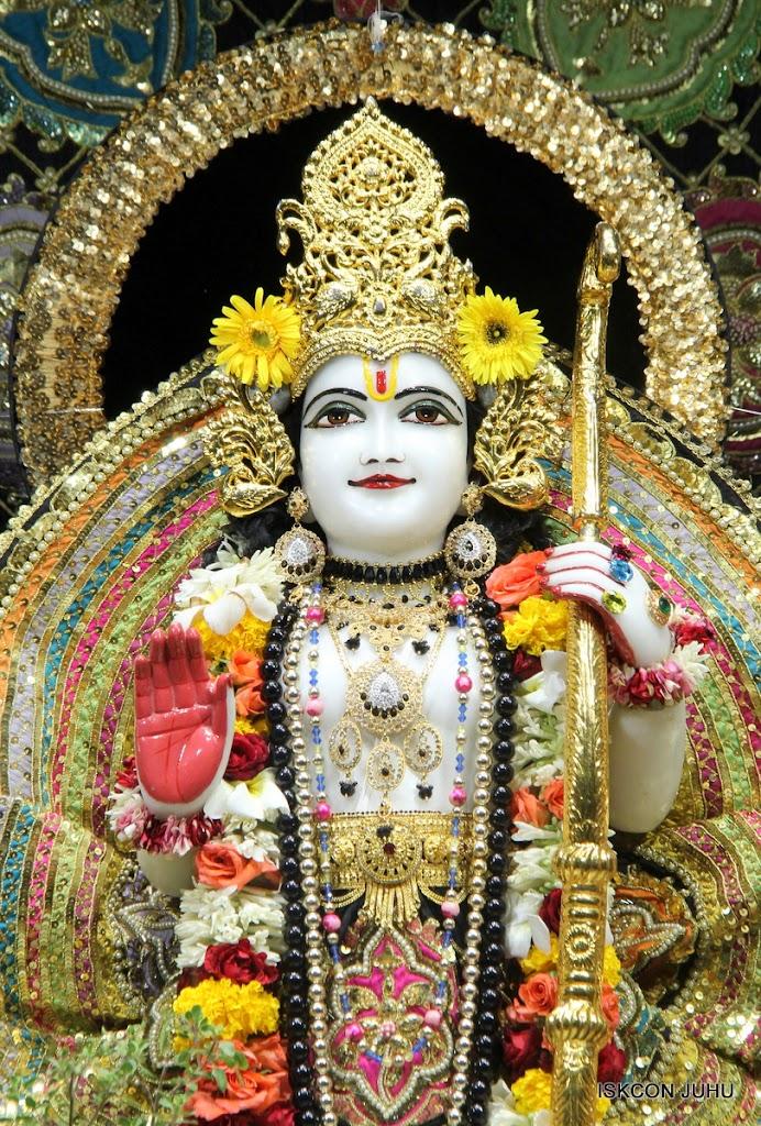 ISKCON Juhu Sringar Deity Darshan 09 Apr 16 (28)