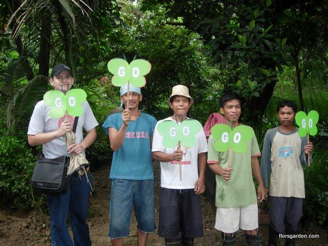 Flors Garden Staff - DSCN1813.JPG