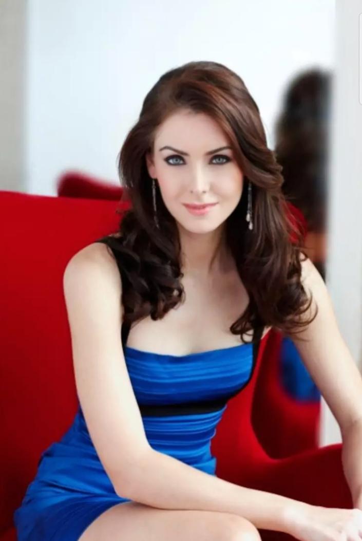 On this day, 1981. Hari lahir Natalie Glebova, Miss Universe 2005