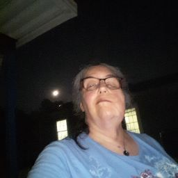 user donna vanhoye apkdeer profile image