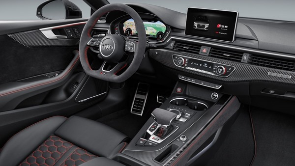 Audi-RS5_Coupe-interior