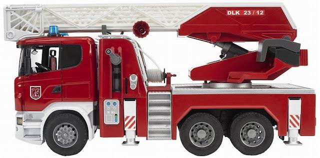 Chiếc Xe cứu hỏa thang xoay mã BRU03590 màu đỏ đặc trưng thật đẹp mắt