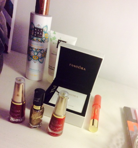 Pretty little things -- rituals shower products, cute nailpolishes and pandora necklace http://isafashionebella.blogspot.com