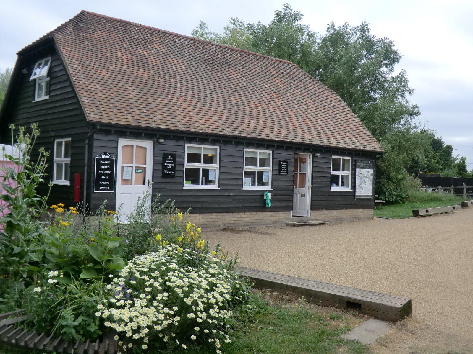 CIMG7917 Houghton Mill tearoom